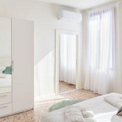 Отель San Marco Penthouse Италия, Венеция - отзывы, цены и фото номеров - забронировать отель San Marco Penthouse онлайн комната для гостей фото 4