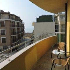 Отель Eleven Moons Болгария, Равда - отзывы, цены и фото номеров - забронировать отель Eleven Moons онлайн балкон