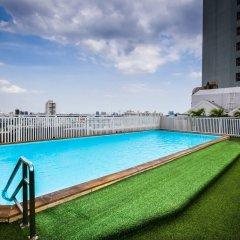 Отель Bangkok Cha-Da Hotel Таиланд, Бангкок - отзывы, цены и фото номеров - забронировать отель Bangkok Cha-Da Hotel онлайн бассейн фото 3