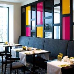 Отель Vienna House Andel´s Berlin гостиничный бар фото 5