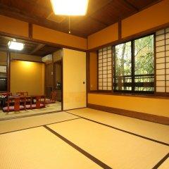 Отель Kurokawa Onsen Ryokan Wakaba Минамиогуни комната для гостей фото 4