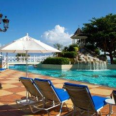 Отель Jewel Dunn's River Adult Beach Resort & Spa, All-Inclusive Ямайка, Очо-Риос - отзывы, цены и фото номеров - забронировать отель Jewel Dunn's River Adult Beach Resort & Spa, All-Inclusive онлайн бассейн