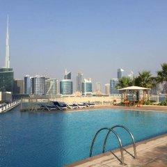 Отель Espace Holiday Homes - SABA 2 Jumeirah Lake Towers ОАЭ, Дубай - отзывы, цены и фото номеров - забронировать отель Espace Holiday Homes - SABA 2 Jumeirah Lake Towers онлайн бассейн фото 2