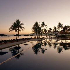 Отель Hilton Fiji Beach Resort and Spa бассейн