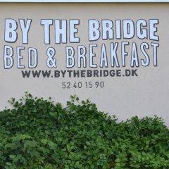 Отель By The Bridge Bed & Breakfast Миддельфарт парковка