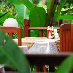 Отель Sunda Resort бассейн