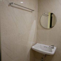 Отель Np House Таиланд, Бангкок - отзывы, цены и фото номеров - забронировать отель Np House онлайн ванная