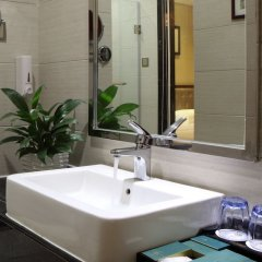 Отель Guangzhou Wassim Hotel Китай, Гуанчжоу - отзывы, цены и фото номеров - забронировать отель Guangzhou Wassim Hotel онлайн ванная фото 2