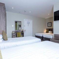 Отель Phoenix Hotel Великобритания, Лондон - 11 отзывов об отеле, цены и фото номеров - забронировать отель Phoenix Hotel онлайн сейф в номере