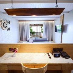Отель Andaman Cannacia Resort & Spa в номере