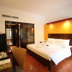 Отель All Seasons Naiharn Phuket сейф в номере