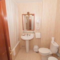 Отель Costa de Ajo Испания, Лианьо - отзывы, цены и фото номеров - забронировать отель Costa de Ajo онлайн ванная фото 2
