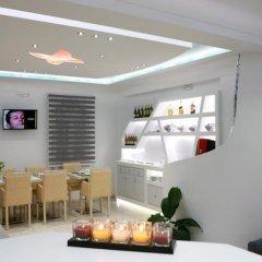 Отель Blue Sky Hotel Греция, Остров Санторини - отзывы, цены и фото номеров - забронировать отель Blue Sky Hotel онлайн питание фото 2
