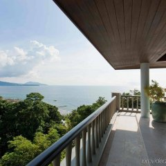 Отель Trisara Villas & Residences Phuket балкон