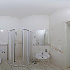 Отель Leon Hotel Чехия, Прага - 2 отзыва об отеле, цены и фото номеров - забронировать отель Leon Hotel онлайн ванная