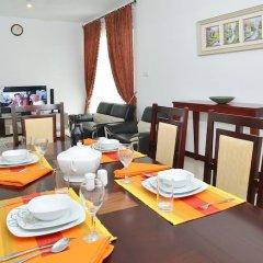 Отель Luxury Resort Apartment OnThree20 Шри-Ланка, Коломбо - отзывы, цены и фото номеров - забронировать отель Luxury Resort Apartment OnThree20 онлайн питание фото 3