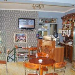 Отель Alpin Hotel Tirana Албания, Тирана - отзывы, цены и фото номеров - забронировать отель Alpin Hotel Tirana онлайн питание фото 2
