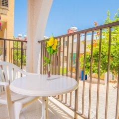 Отель Windmills Hotel Apartments Кипр, Протарас - отзывы, цены и фото номеров - забронировать отель Windmills Hotel Apartments онлайн балкон