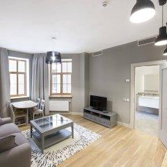 Отель Riga Lux Apartments - Skolas Латвия, Рига - 1 отзыв об отеле, цены и фото номеров - забронировать отель Riga Lux Apartments - Skolas онлайн комната для гостей фото 2