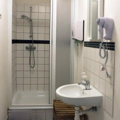 Отель Hostel Boudnik Чехия, Прага - 1 отзыв об отеле, цены и фото номеров - забронировать отель Hostel Boudnik онлайн ванная