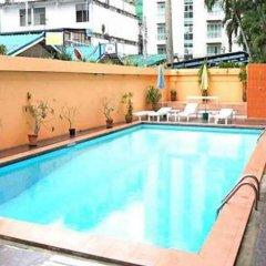 Отель Queen Pattaya Hotel Таиланд, Паттайя - отзывы, цены и фото номеров - забронировать отель Queen Pattaya Hotel онлайн бассейн фото 3