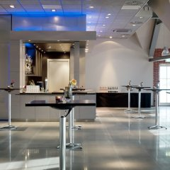 Отель Inntel Hotels Amsterdam Zaandam Нидерланды, Занстад - отзывы, цены и фото номеров - забронировать отель Inntel Hotels Amsterdam Zaandam онлайн гостиничный бар