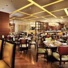 Four Seasons Hotel Macao at Cotai Strip питание фото 2