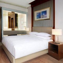 Отель Courtyard By Marriott Seoul Times Square сейф в номере