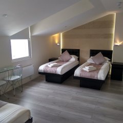 Отель 88 Studios Kensington сейф в номере