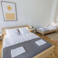 Апартаменты Bohemia Apartments Prague Centre сейф в номере