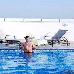 Отель TIME Ruby Hotel Apartments ОАЭ, Шарджа - 1 отзыв об отеле, цены и фото номеров - забронировать отель TIME Ruby Hotel Apartments онлайн бассейн