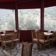 Sirince Klaseas Hotel & Restaurant Торбали питание фото 3