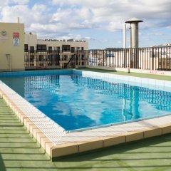 Отель Huli Hotel and Apartments Мальта, Каура - 2 отзыва об отеле, цены и фото номеров - забронировать отель Huli Hotel and Apartments онлайн бассейн фото 2
