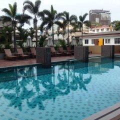 Отель August Suites Pattaya Паттайя бассейн фото 4