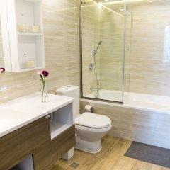 Отель HiGuests Vacation Homes - Burj Views Дубай ванная