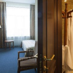 Гостиница Море в Тюмени 1 отзыв об отеле, цены и фото номеров - забронировать гостиницу Море онлайн Тюмень комната для гостей фото 2
