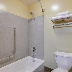 Отель La Quinta Inn & Suites Logan ванная