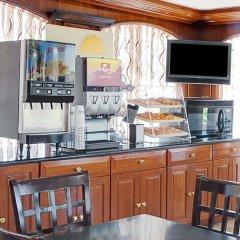 Отель Days Inn Elk Grove Village Chicago OHare Airport West питание фото 3