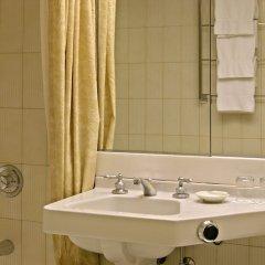 Отель Wilshire Grand США, Лос-Анджелес - отзывы, цены и фото номеров - забронировать отель Wilshire Grand онлайн ванная