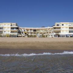 Отель InmoSantos Oasis E3 Испания, Курорт Росес - отзывы, цены и фото номеров - забронировать отель InmoSantos Oasis E3 онлайн пляж фото 2