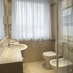 Отель Best Western Hotel Tre Torri Италия, Альтавила-Вичентина - отзывы, цены и фото номеров - забронировать отель Best Western Hotel Tre Torri онлайн ванная