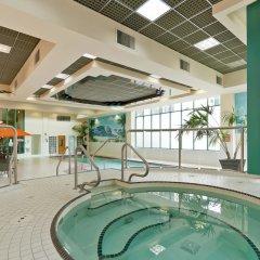 Отель Rosedale On Robson Suite Hotel Канада, Ванкувер - отзывы, цены и фото номеров - забронировать отель Rosedale On Robson Suite Hotel онлайн бассейн фото 2