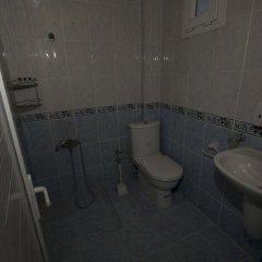 Zeki Pension Турция, Фоча - отзывы, цены и фото номеров - забронировать отель Zeki Pension онлайн ванная