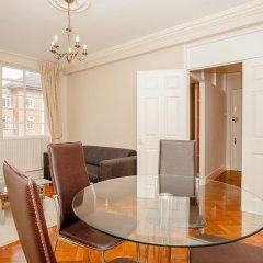 Апартаменты Bright 2 Bedroom Apartment Near Regents Park комната для гостей фото 5