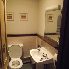 Отель YHA Helmsley - Hostel Великобритания, Йорк - отзывы, цены и фото номеров - забронировать отель YHA Helmsley - Hostel онлайн ванная