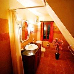 Отель Coco Palace Resort Пхукет ванная фото 2
