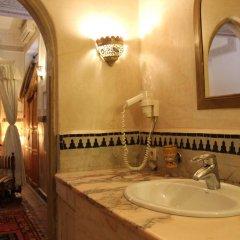Отель Dar Al Kounouz Марокко, Марракеш - отзывы, цены и фото номеров - забронировать отель Dar Al Kounouz онлайн ванная
