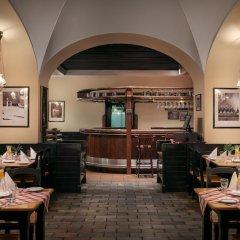 TOP Hotel Ambassador-Zlata Husa гостиничный бар фото 2