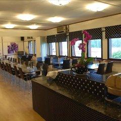 Отель Surte Швеция, Сурте - отзывы, цены и фото номеров - забронировать отель Surte онлайн интерьер отеля