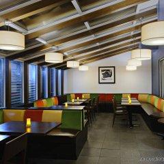 Отель Hampton Inn Manhattan Chelsea США, Нью-Йорк - отзывы, цены и фото номеров - забронировать отель Hampton Inn Manhattan Chelsea онлайн гостиничный бар